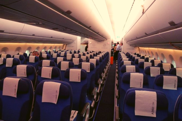 Chỉ mua vé một chiều hành khách vô tình bao cả máy bay