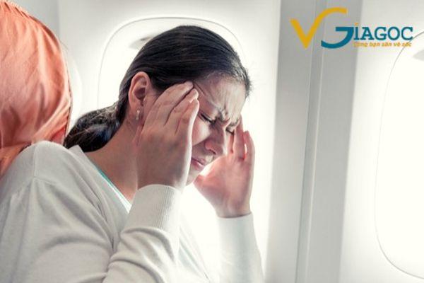Đi máy bay có bị say hay không ?