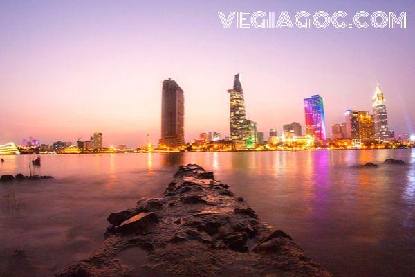Giá vé máy bay khứ hồi đi Sài Gòn Vietnam Airlines