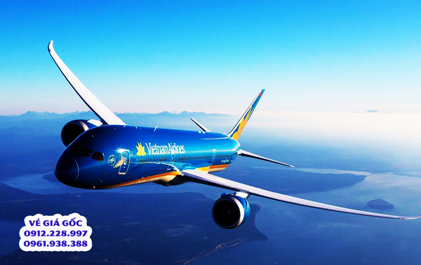 Giá vé máy bay Tết 2019 tăng mạnh