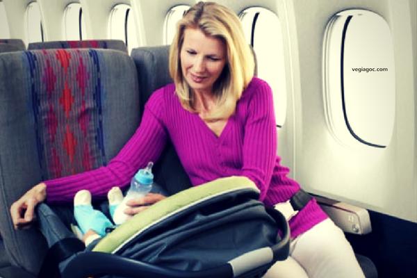 Kinh nghiệm đi máy bay cùng con nhỏ