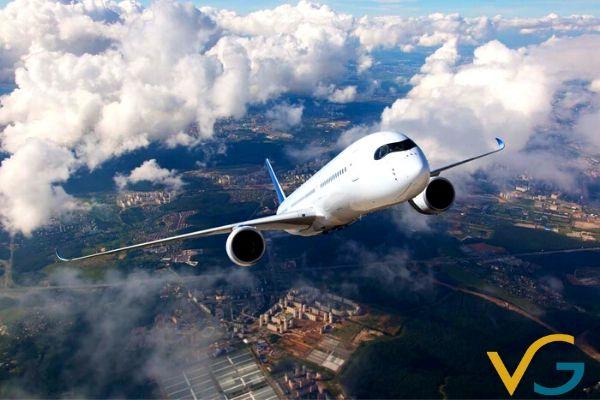 Máy bay không bao giờ bay theo đường thẳng