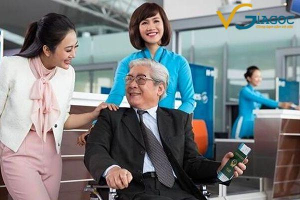 Người cao tuổi khi đi máy bay Vietnam Airlines cần những giấy tờ gì?