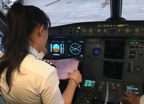 Nữ cơ trưởng đầu tiên của Jetstar và ước mơ chinh phục bầu trời