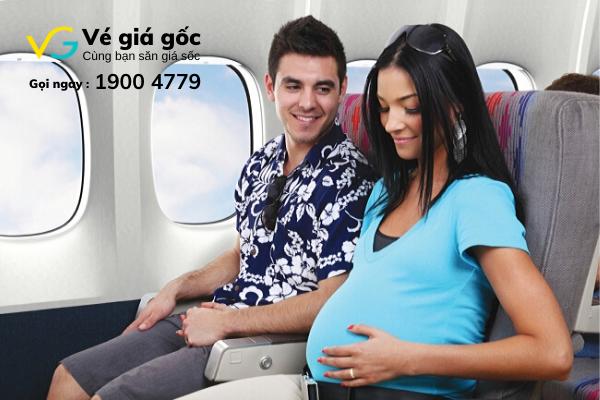 Phụ nữ mang thai mua vé máy bay cần lưu ý những gì