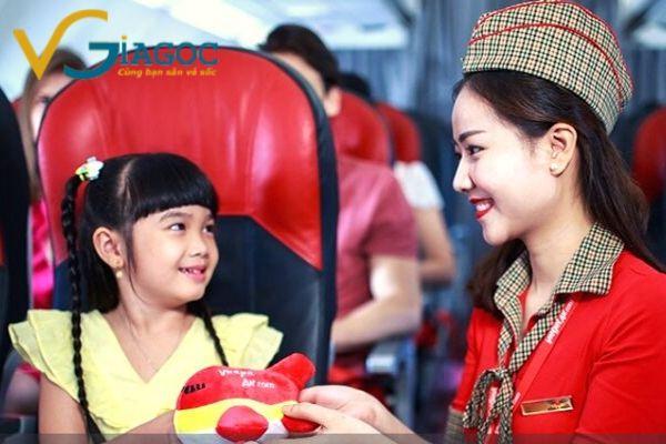 Quy định trẻ em khi đi máy bay của Vietjet