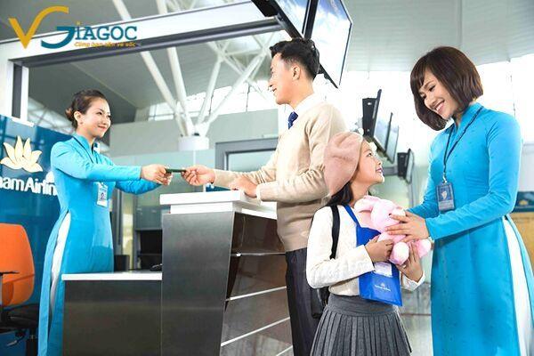 Quy định trẻ em khi đi máy bay của Vietnam Airlines