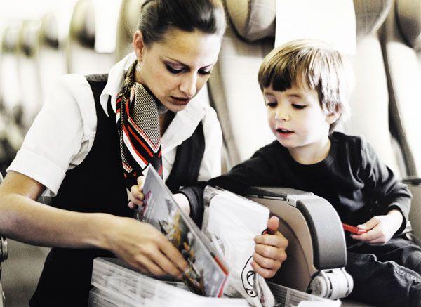 Trẻ em đi máy bay một mình