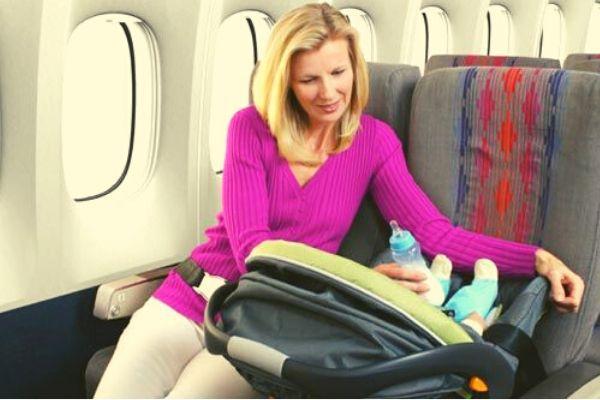 Trẻ em dưới 2 tuổi đi máy bay Bamboo Airways