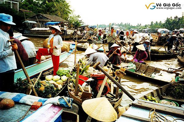 Vé máy bay đi Cần Thơ đến chợ nổi Cái Răng thưởng thức trái cây miền sông nước