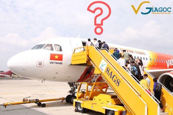 Vì sao hành khách phải lên hoặc xuống máy bay bằng cửa bên trái