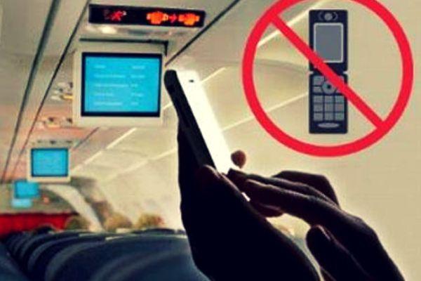 Việc sử dụng điện thoại trên máy bay được quy định như thế nào
