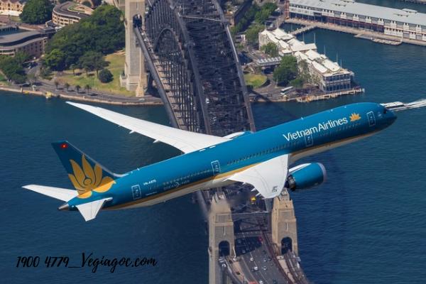 Vietnam Airlines khuyến mãi đi Đồng Hới